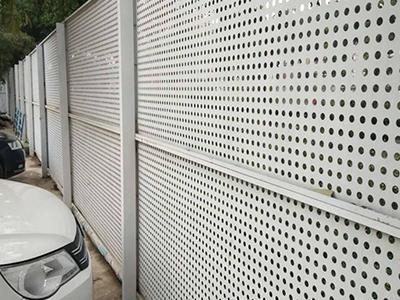 台湾-冲孔板围挡